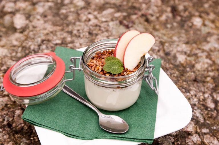 Proteinmüsli mit Joghurt